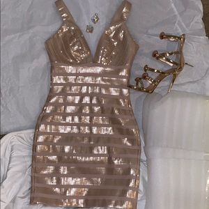 BEBE Lined Bodycon Gold Sequin Dress XXS NEW